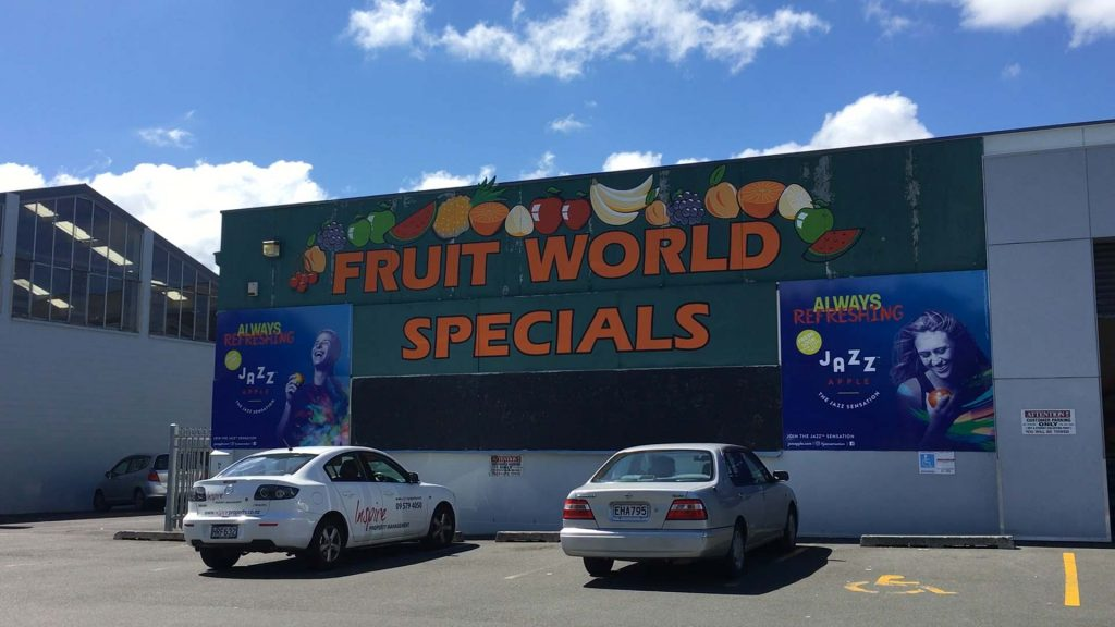 Fruit World Neuseeland Parkplatz